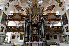 Bayreuth, the city of Richard Wagner - here the Ordenskirche and pulpit-altar with organ. A unique combination